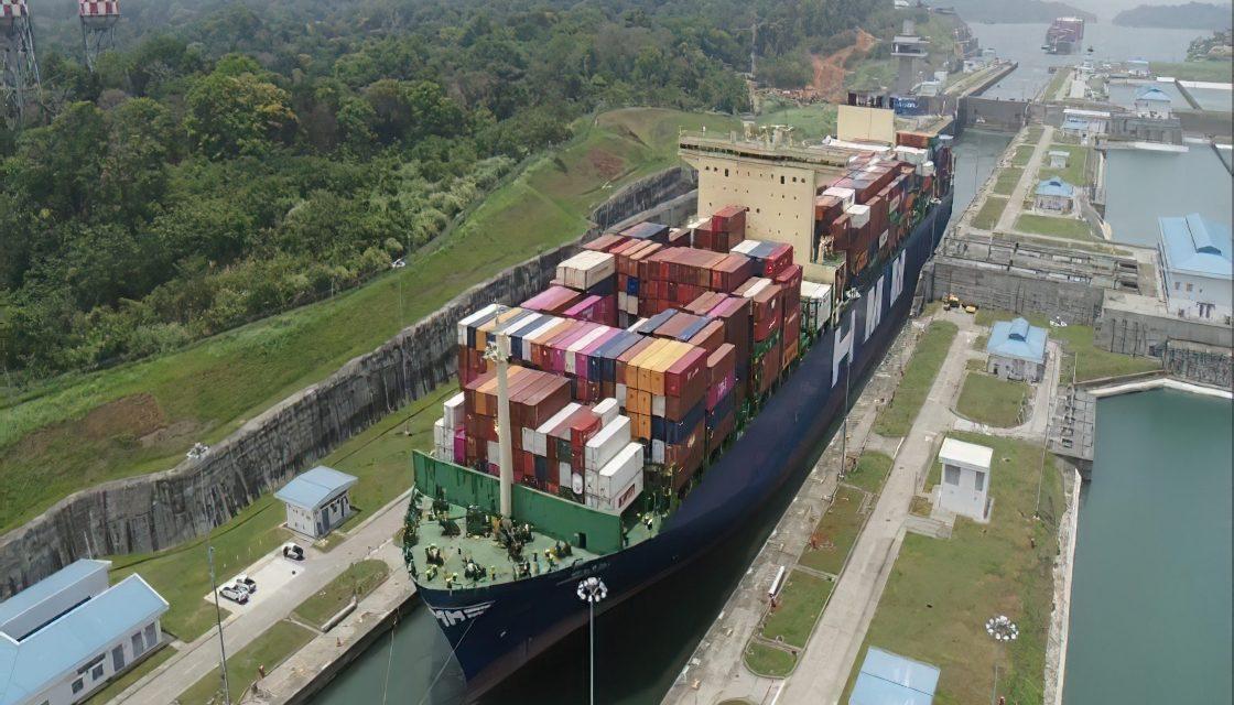 Canal de Panamá ofrece calado máximo de 50 pies en esclusas neopanamax