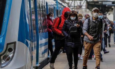Ministerio de Transporte brinda refuerzo de micros para usuarios de las líneas Sarmiento y Mitre