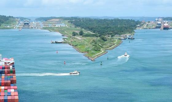 Canal de Panamá implementa medidas para mitigar impacto económico de COVID-19