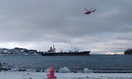 """Se encuentra varado en la Antártida el buque frigorífico """"La Manche"""""""