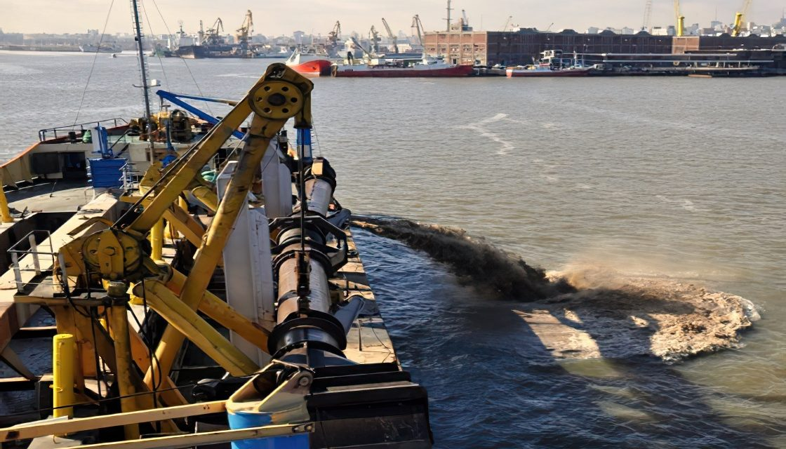 El próximo año comienzan las obras de dragado en el Puerto de Montevideo