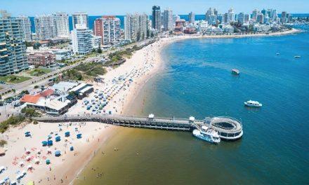 Uruguay crea pasaporte sanitario para ingreso de argentinos en el verano