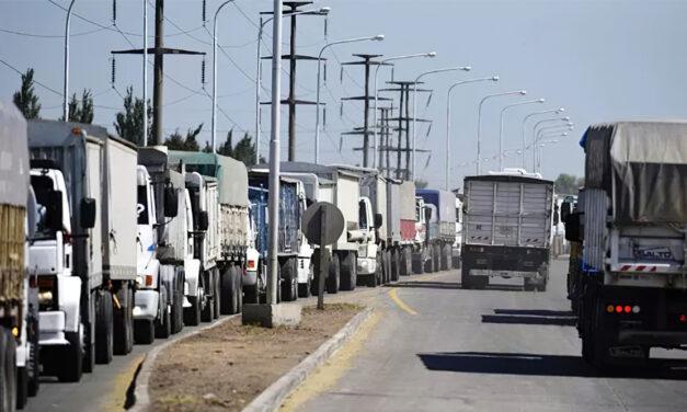 Industriales aceiteros preocupados por paro de transportistas