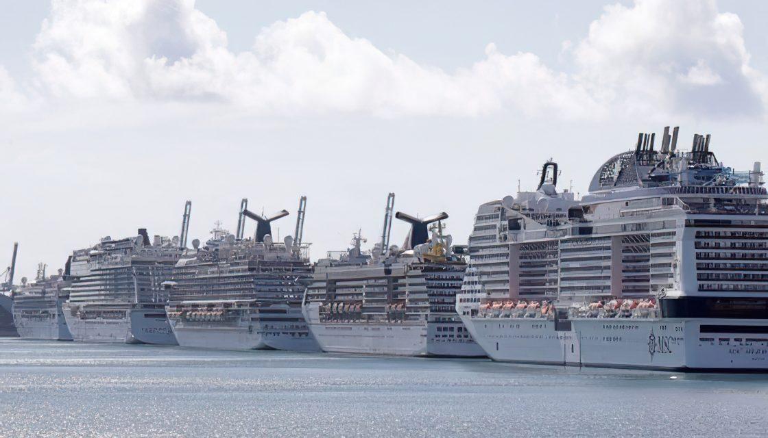 Al menos 800 mil marineros están atrapados en buques o puertos por la pandemia