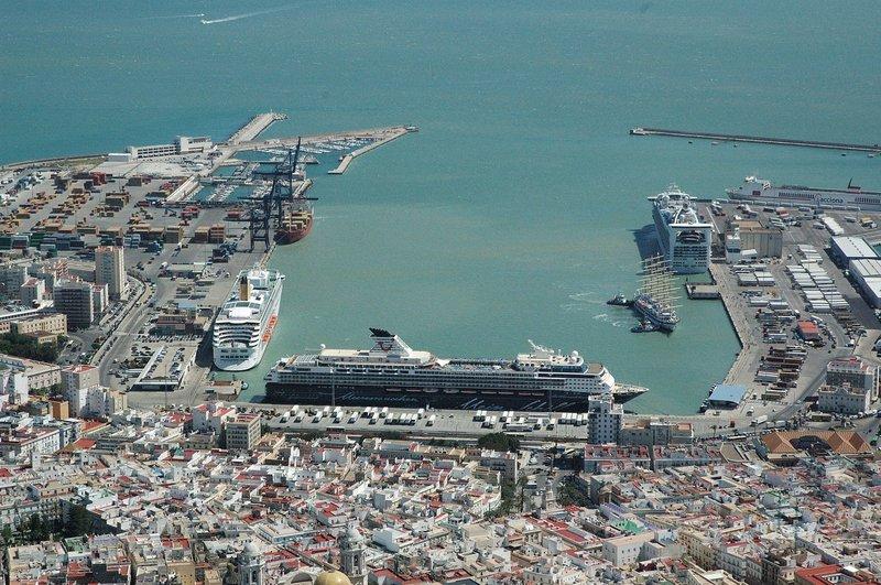 El Puerto de Cádiz realiza esta semana una misión comercial a Argentina y Uruguay