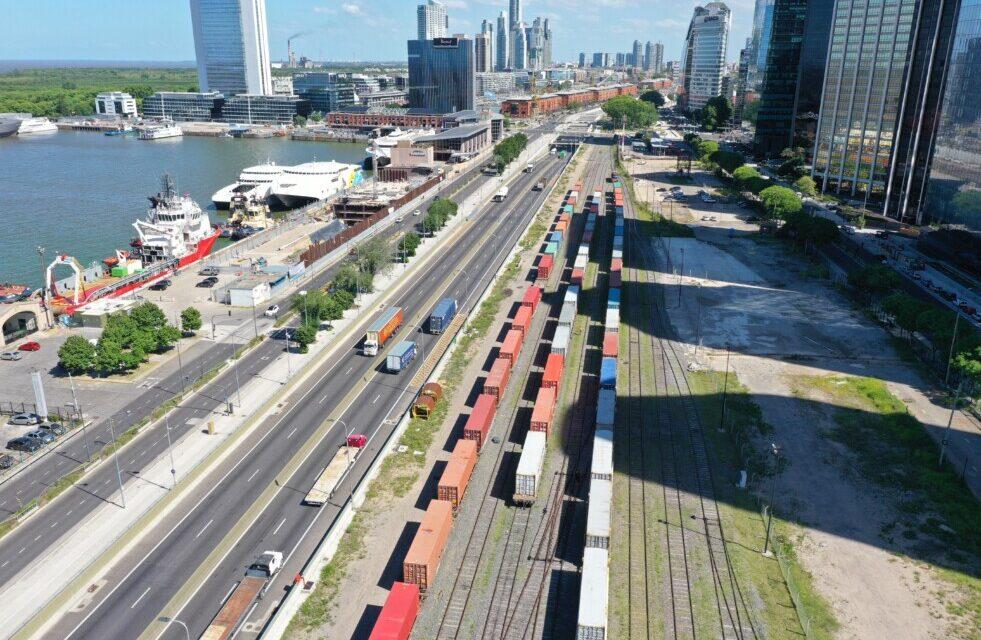 Puerto Buenos Aires exportó alfalfa santiagueña a arabia saudita