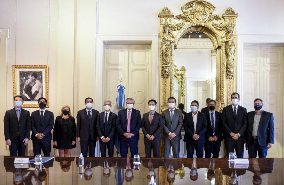 """Meoni junto al presidente Fernández anunció préstamos chinos para transporte ferroviario: """"estamos haciendo un país federal con una inversión federal"""""""