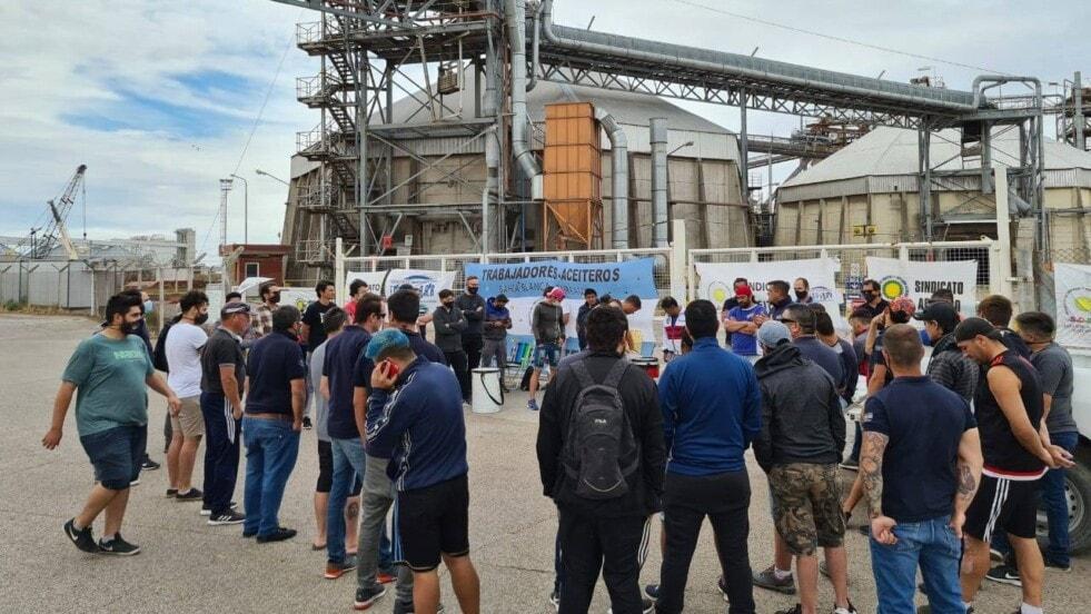 Huelga de aceiteros de prolongará por 24 horas más