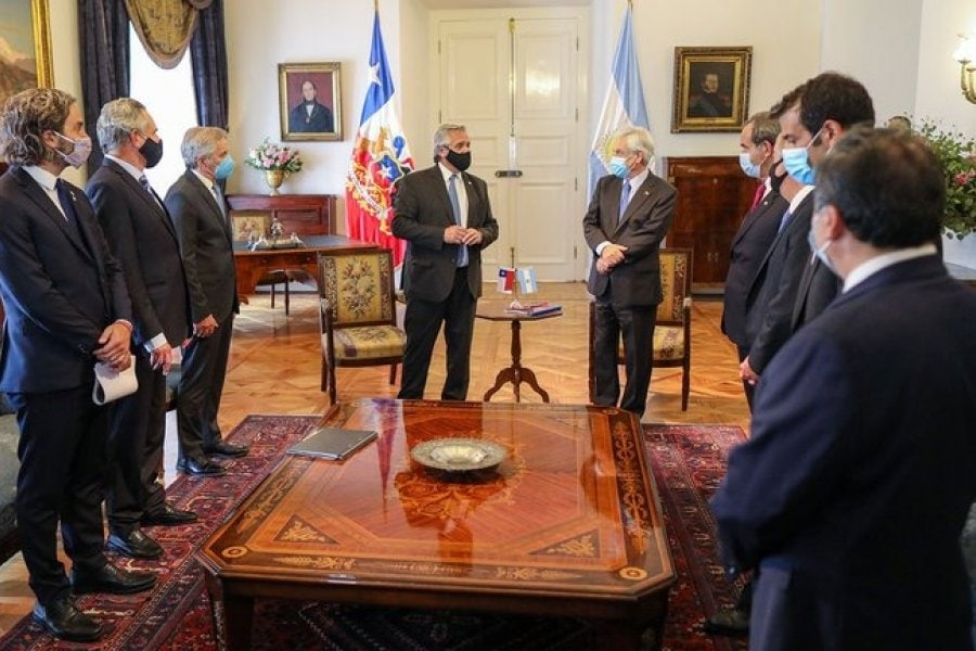 Argentina firmó con Chile proyecto de cable submarino de ARSAT