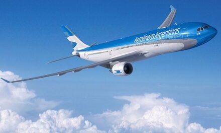 Un total de 16 aerolíneas se unieron a UNICEF para distribuir la vacuna en el mundo