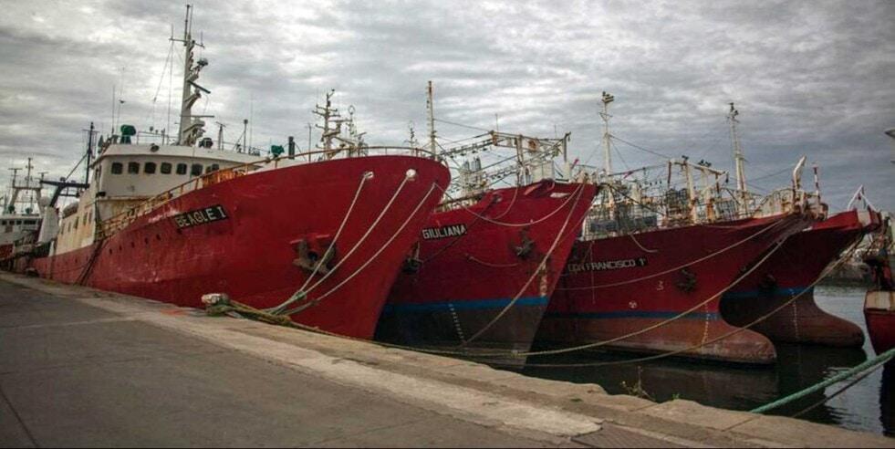 Firman de un renovado convenio colectivo de trabajo que rige la actividad para Capitanes, Pilotos y Patrones de Pesca