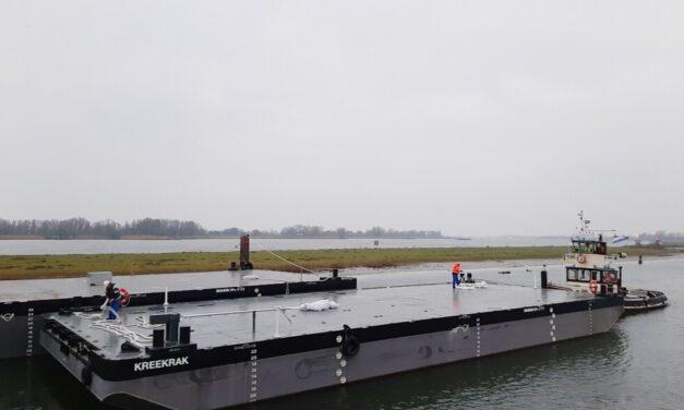 De Klerk recibe dos pontones Stan de Damen