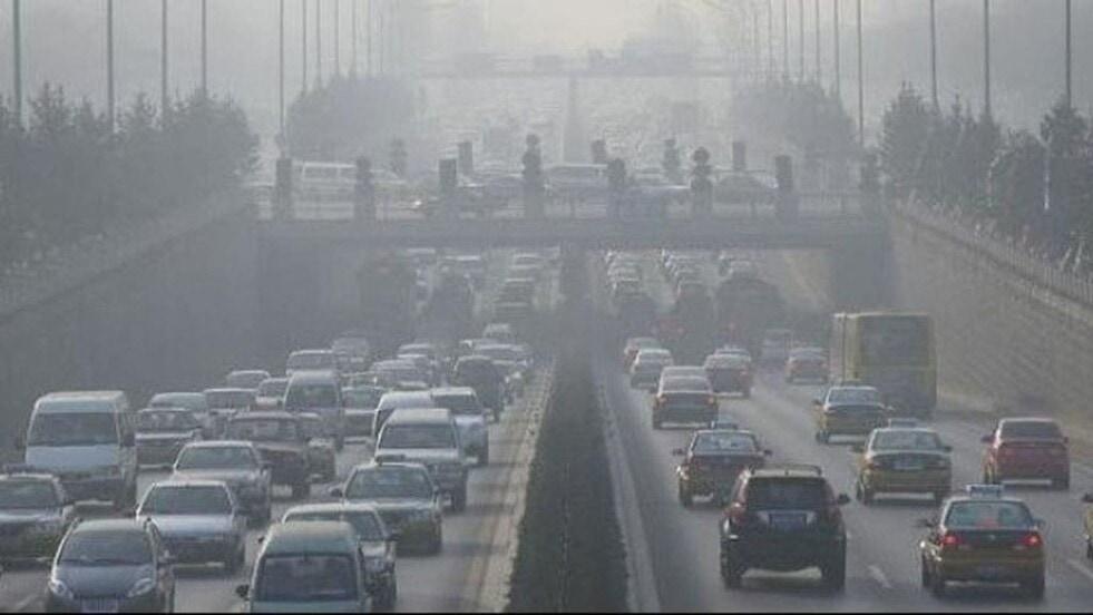 El 80% de los conductores argentinos están dispuestos a evitar el uso del auto en ciertos horarios para reducir la contaminación