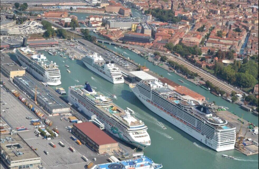 El gobierno italiano desvía el tráfico de grandes cruceros de Venecia a Marghera