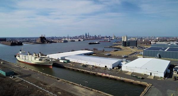 """""""El puerto de Filadelfia es donde ingresa la mayor parte de las exportaciones de frutas de Argentina"""""""