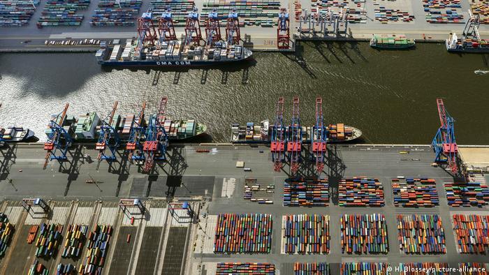 Prevén posibles atascos en el puerto de Hamburgo tras el desbloqueo del Canal de Suez