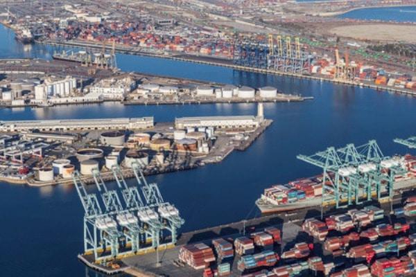 Los comisionados marítimos federales de EE. UU. Instan a que se vacunen los trabajadores marítimos