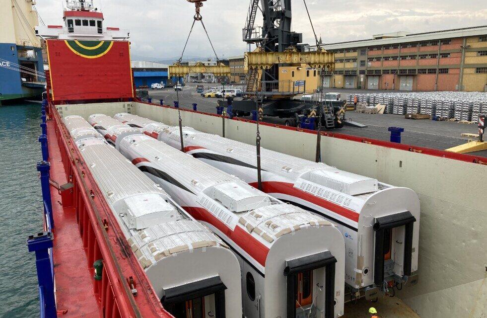 TMH entrega el coche de pasajeros no 300 a los ferrocarriles nacionales de Egipto