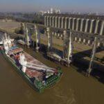 Puerto de Santa Fe podría operar con barcazas si continúa la bajante del río Paraná