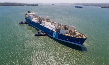 El buque regasificador de Excelerate Energy llegará a Argentina el 20 de mayo