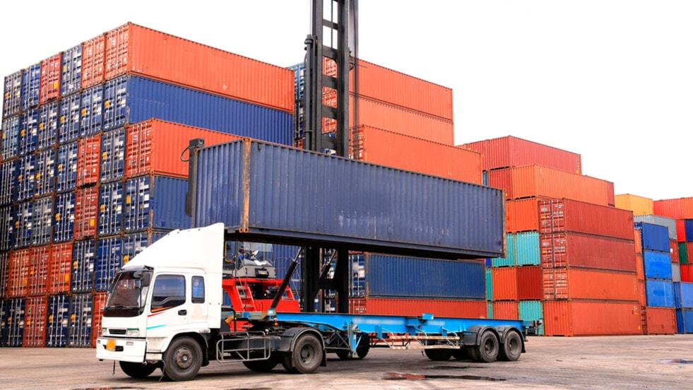 La especialización en el mundo de la logística y el comercio exterior