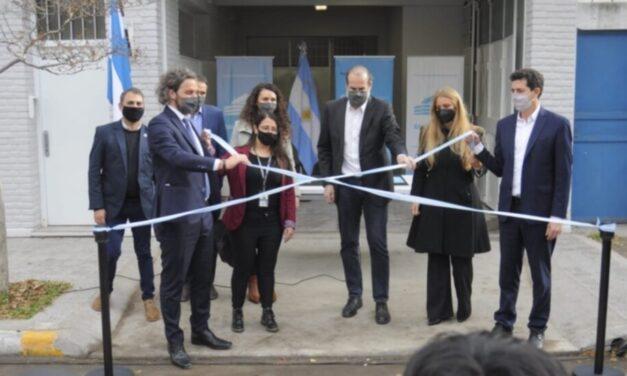 Wado de Pedro inauguró junto a Florencia Carignano la oficina de Migraciones en el Puerto de Bahía Blanca