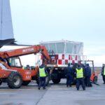 Llegó a Río Grande la torre de control móvil que permitirá avanzar con obras en el aeropuerto