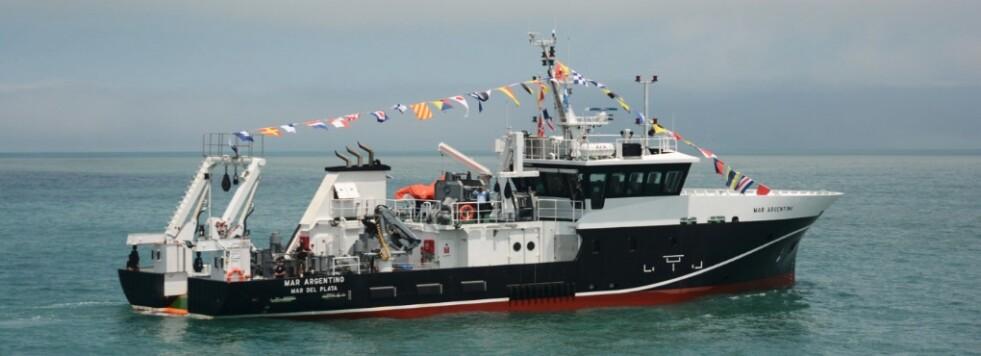 El BIP Mar Argentino prueba artes de pesca y equipamientos complementarios