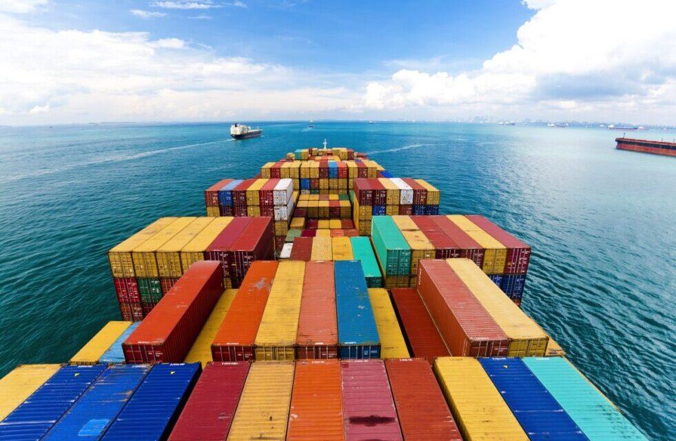 Leve caída de las exportaciones en Junio 2021