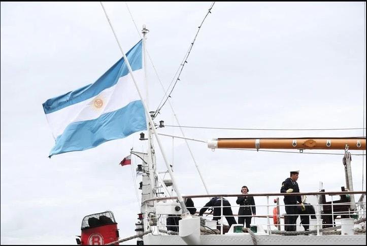 González Insfrán: Para aprovechar la Hidrovía necesitamos una Marina Mercante Nacional