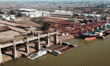 Costa, Ruiz Malec y Díaz presentaron el programa Oficios sin Prejuicios en el Puerto de San Nicolás