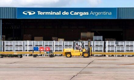 Acuerdo para fortalecer el trabajo con las compañías aéreas y de cargas en Ezeiza