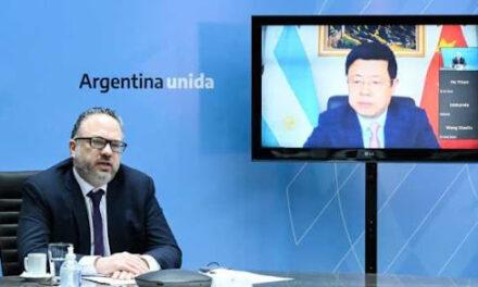 Kulfas se reunió con el Embajador de China para buscar inversiones