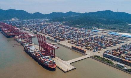 China reabre un importante puerto tras 2 semanas de cierre parcial por covid
