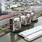 El puerto de Concepción del Uruguay recuperó su elevador de granos y comenzó a cargar barcazas