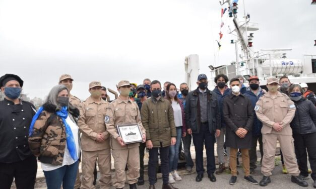 """Reconocimiento al personal de Prefectura por su labor a bordo del BIP """"Mar Argentino"""