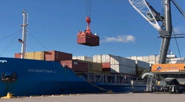 La vía de navegación troncal del Paraná impacta en la economía de todo el país