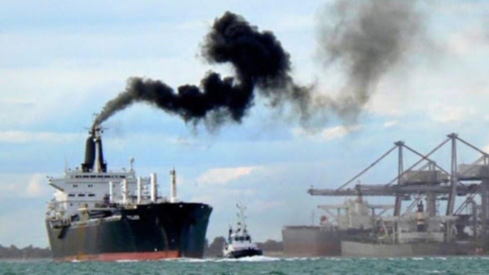 La Cámara Internacional de  Buques e Intercargo propusieron un impuesto global sobre las emisiones de carbono de los  barcos