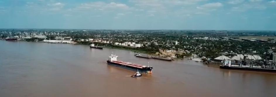Desde el ENAPRO destacan la significativa reducción de la capacidad de carga de los buques por la bajante del Paraná