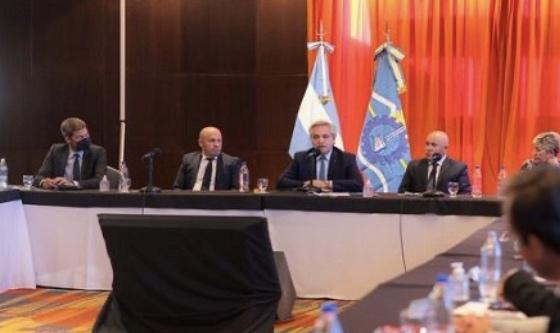 Nación se compromete a reactivar el turismo: se reunieron en Madryn con representantes del sector