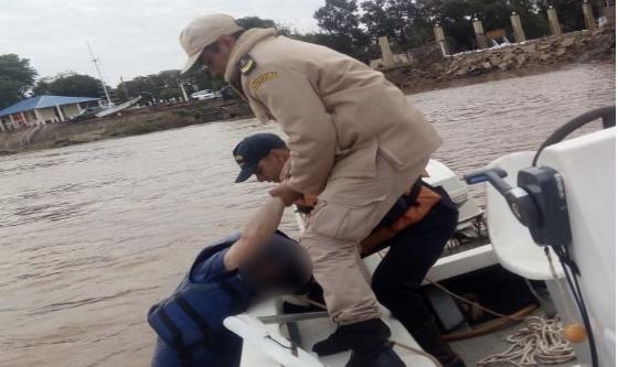 En Paso de Los Libres: la Prefectura rescató a un navegante