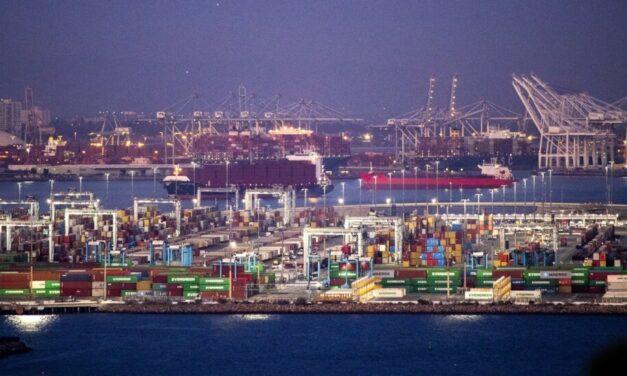 Puertos de Estados Unidos hacen  turnos de noche para agilizar la descarga