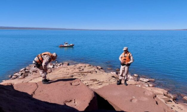 Una patrulla de la Prefectura encontró huellas de dinosaurio